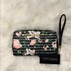NWT Steve Madden Floral Black Zip Around Wallet